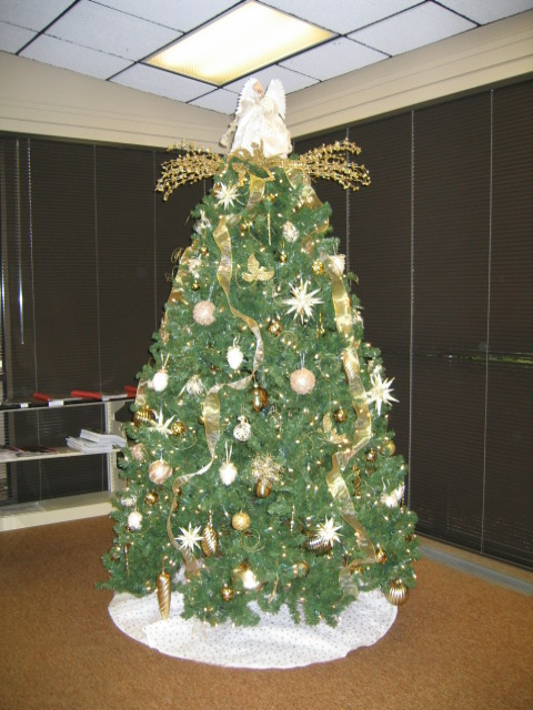 Clemmons Library Christmas Tree